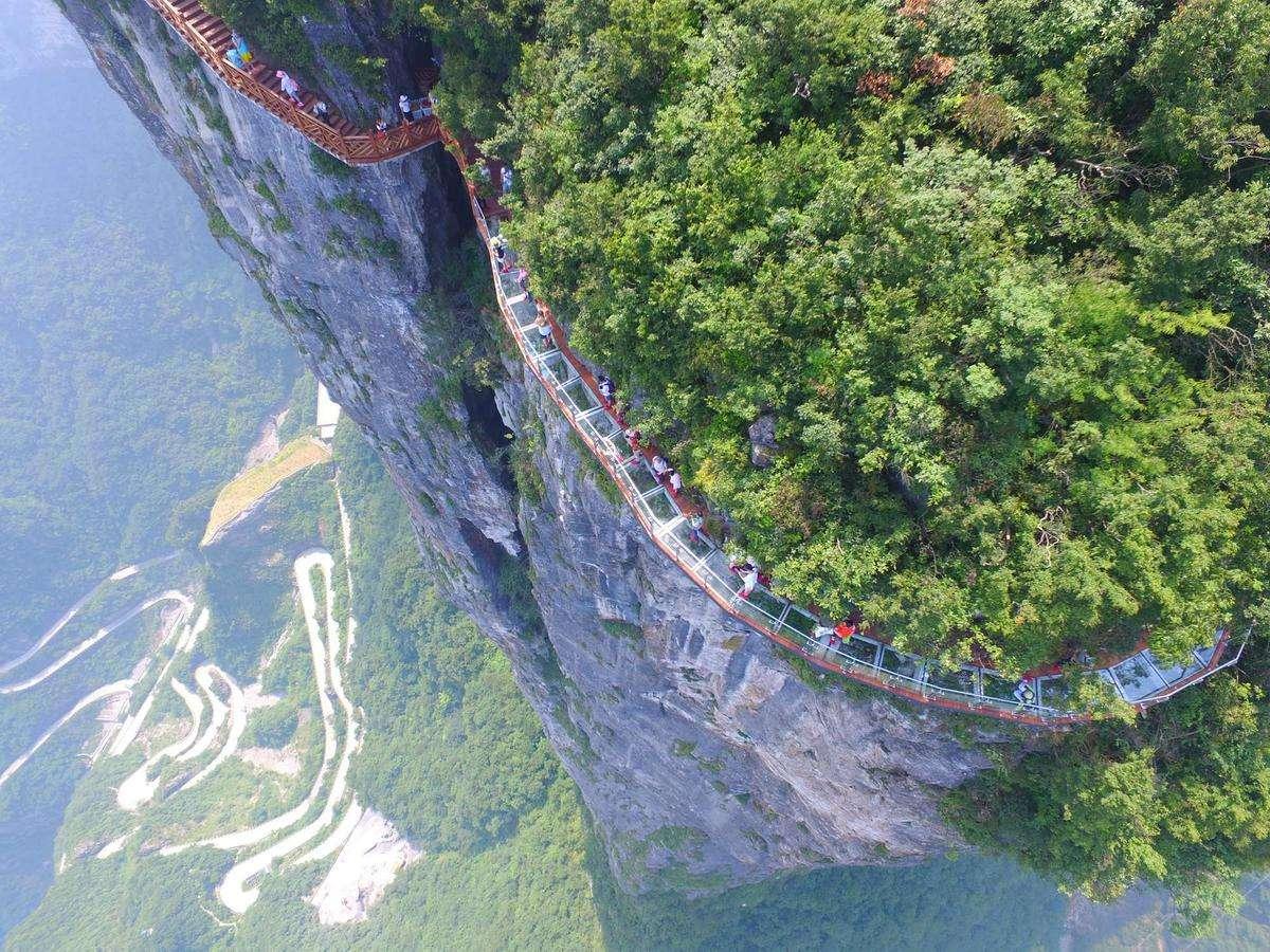 经典3日自助游大峡谷玻璃桥+天门山+玻璃栈道+凤凰古城三日游
